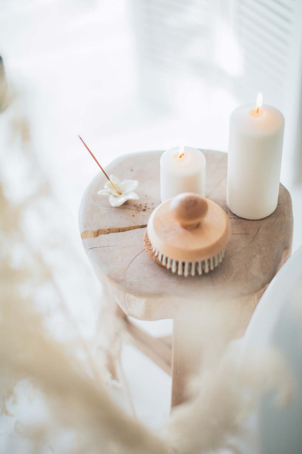 incense-and-white-candles-on-a-stool-3865712