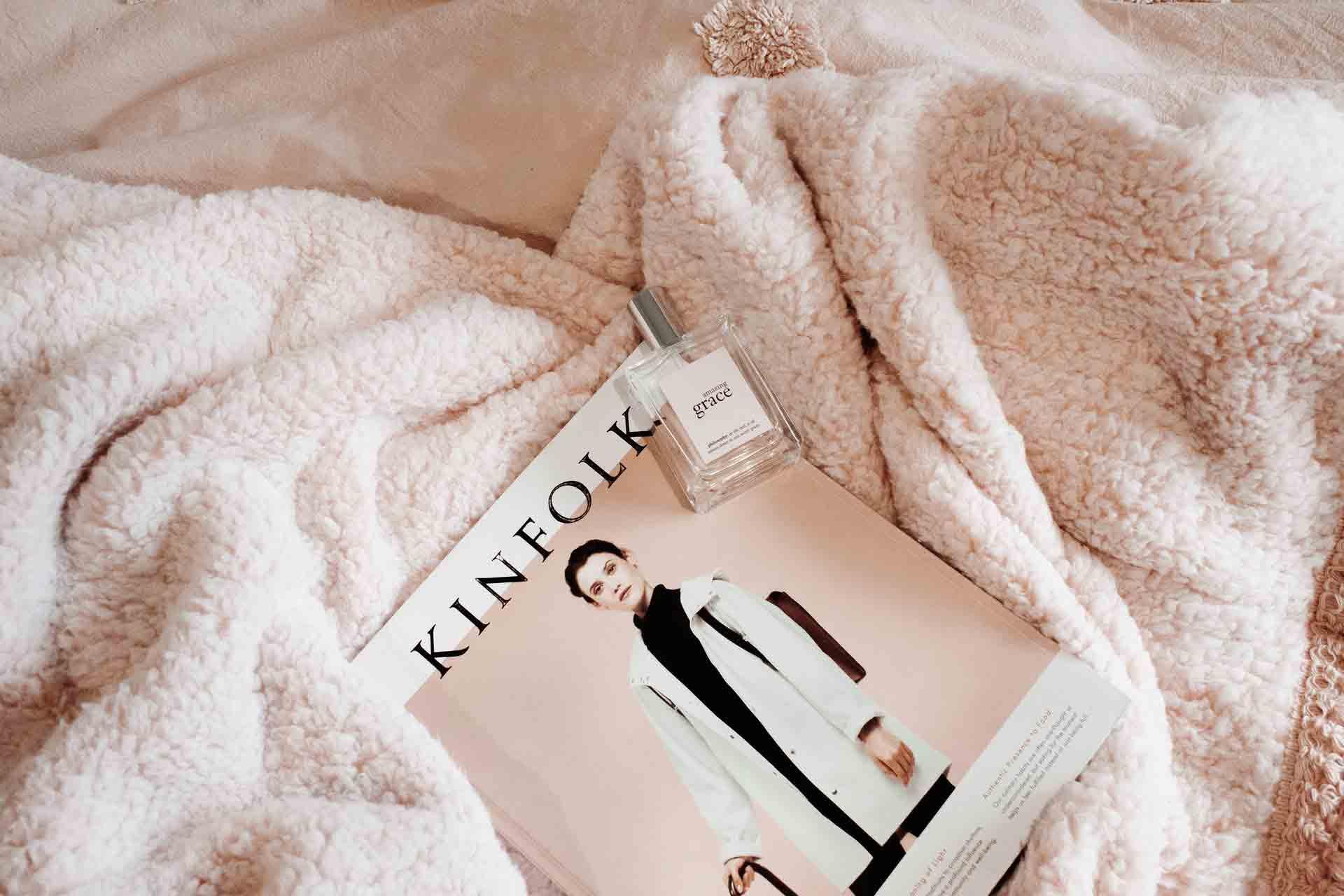 kinfolk-tag-on-blanket-2870724