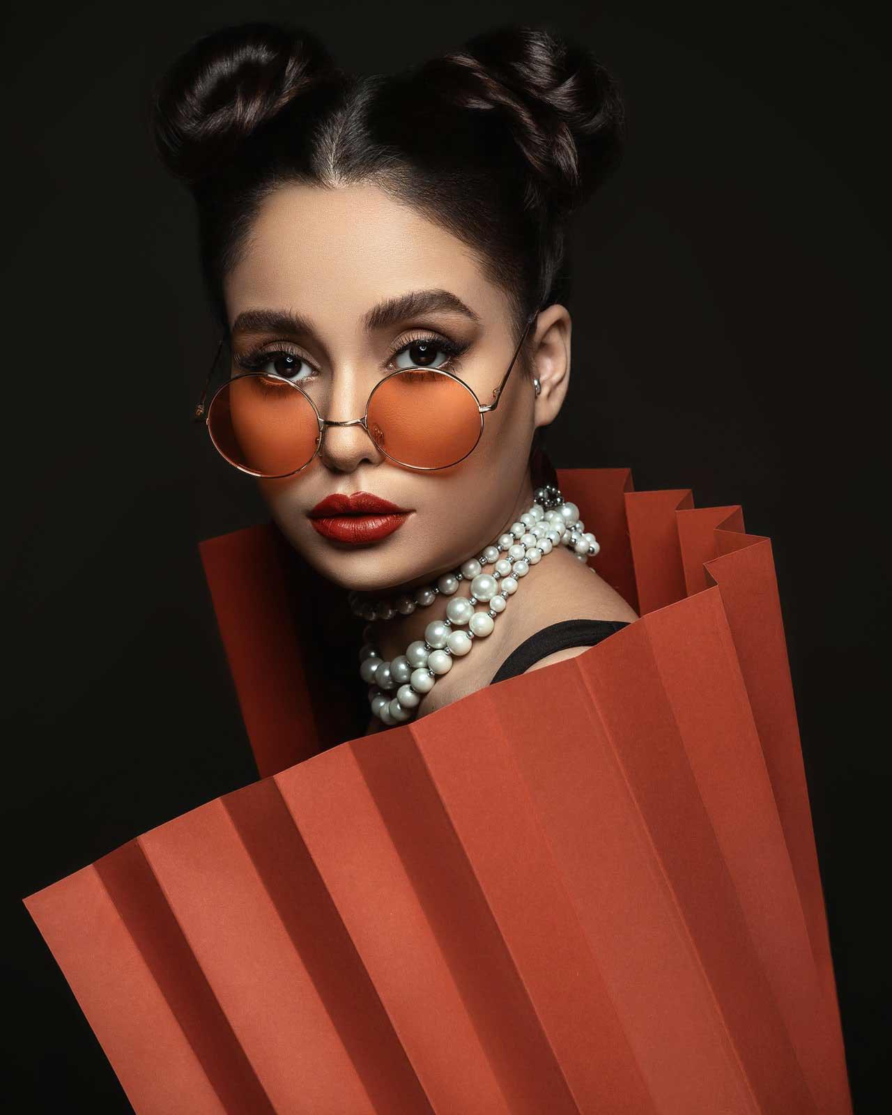 woman-wearing-sunglasses-3387552